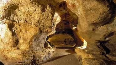 Suivez Marc à la grotte de Pair non Pair